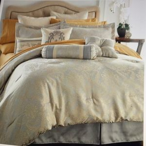 Other - 16PC QUEEN SIZE SILVER /GOLD COMFORTER/SHEET SET